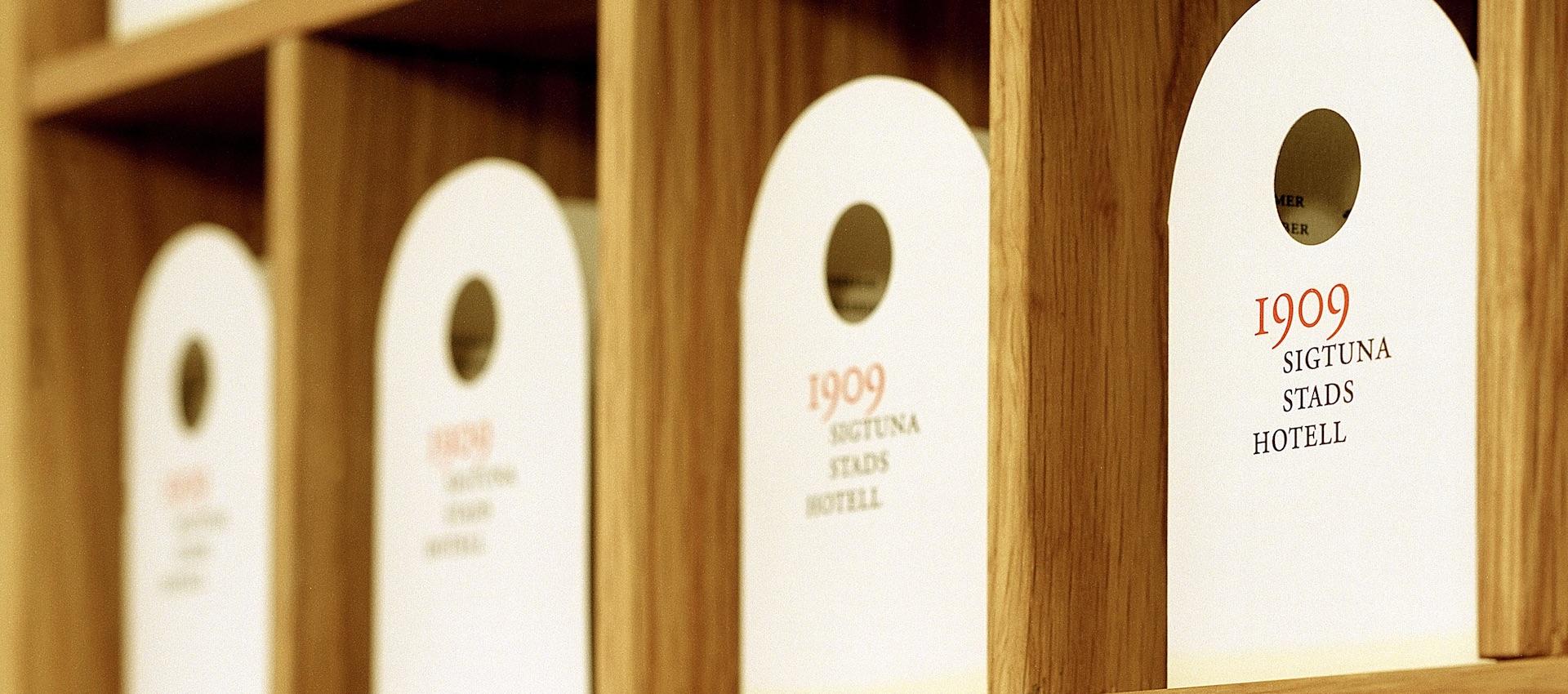 6751 AJ8 11-2001 Sigtuna Stadshotell